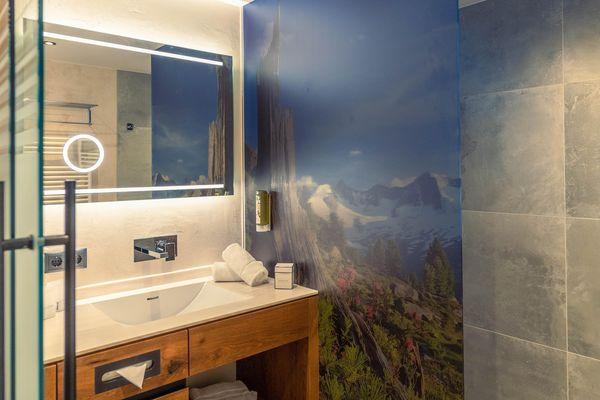 modern bathroom (double room) - Ferienhotel Sonnehof