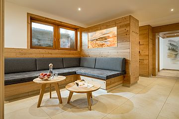Lounge im Wellnessbereich des 4*s Ferienhotel Sonnenhof
